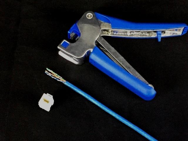 Cable Termination Tool   BOSCOM
